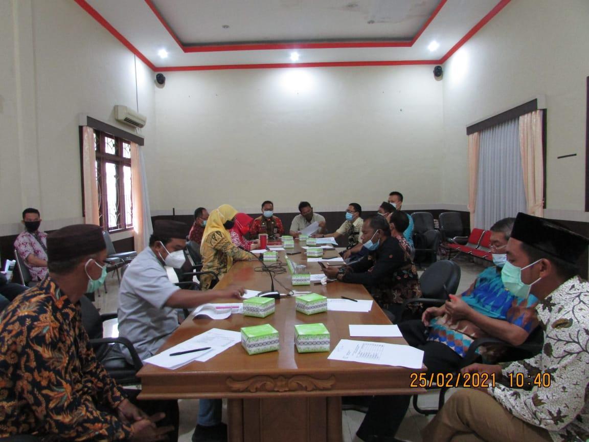 Pertemuan antara DPRD Bateng dengan Kadisperindag Babel.(foto: mislam).