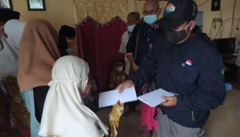 Jumat Barokah, CV Jaya Mandiri dan CV Antareja Abadi Santuni Yayasan Muslim Toboali