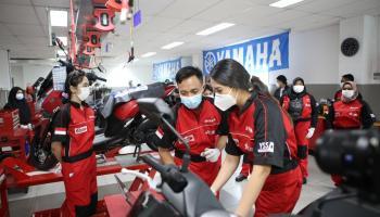 Lexi Lady Time #BanggaMAXImal : Cara Anya Geraldine Isi Akhir Pekan, Jadi Mekanik Hingga Riding Si Sexy Lexi
