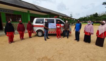 PT Timah Serahkan Bantuan Ambulans ke Yayasan Darul Istiqomah Bangka Selatan
